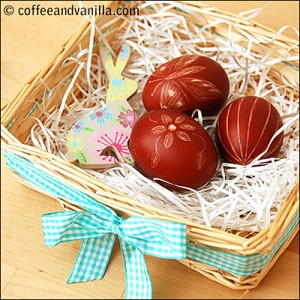 20-Creative-and-Easy-DIY-Easter-Egg-Decorating-Ideas-17