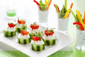 christmas-appetizers-ideas-cucumbers-cherry-tomatoes-cream-cheese
