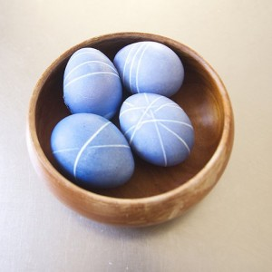 easter-decoration-with-rubber-bands