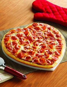gorgeous valentines day heart shaped pizza 2014 valentines day food ideas-f62648