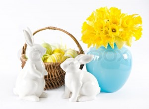 1682744-easter-decoration-with-daffodils-rabbits-and-eggs