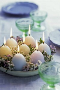 Easter-decoration-craft-ideas-diy-deco-idea-candles-eggs-Daisy-eggs-stand-thyme1